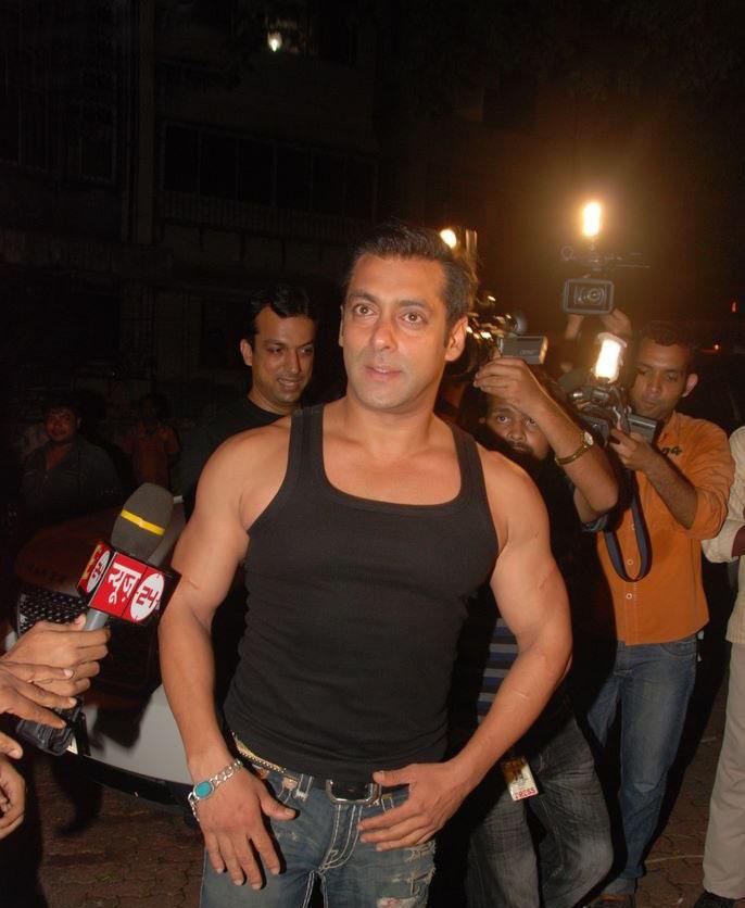 Salman Khan Hot Body Show At Aamir Khan Party Stills