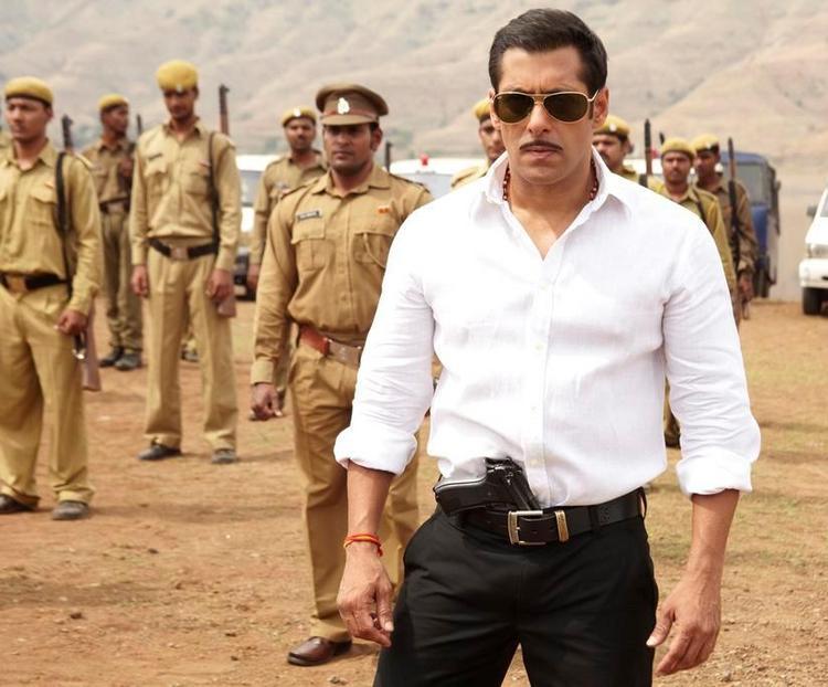 Salman Khan Smart Look In Dabangg