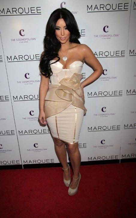 Kim Kardashian Sexy Dress Hot Photo