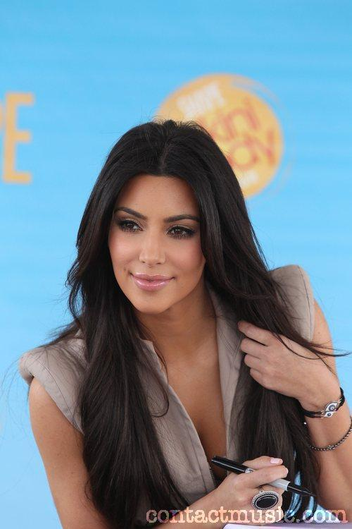 Kim Kardashian Stunning Hot Sweet Still