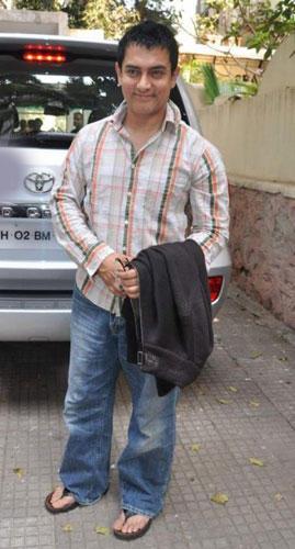 Aamir Khan Looking Very Handsome