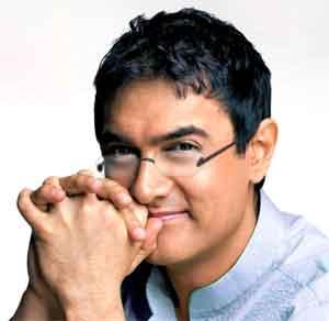 Aamir Khan Very Cute Look Pic