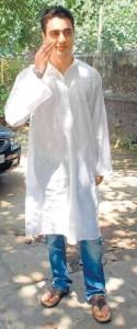 Imran Khan Stunning Face In White Kameez