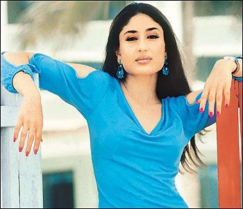 Hottie Kareena Kapoor Romantic Look Pic