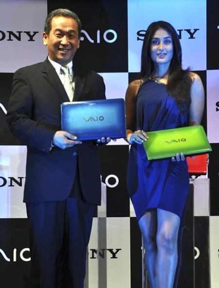 Kareena Kapoor Poses With Vaio Laptop