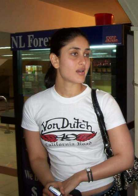 Kareena Kapoor Sexy face Look Pic In White Tops