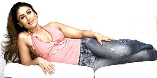 Kareena Kapoor Sexy Pose In Pink Tops and Black Jeans