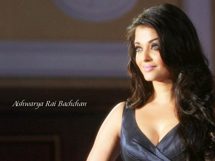 Aishwarya Rai Beautiful Look Wallpaper