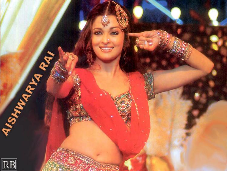 Aishwarya Rai Kajra Re Dance Still