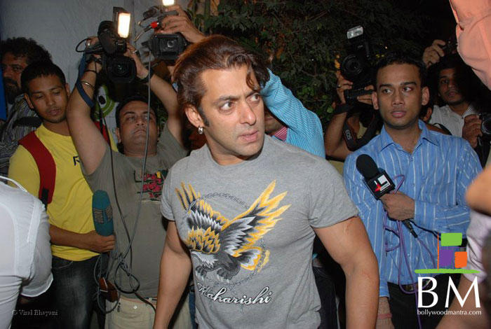Salman Khan Angry Look Stills