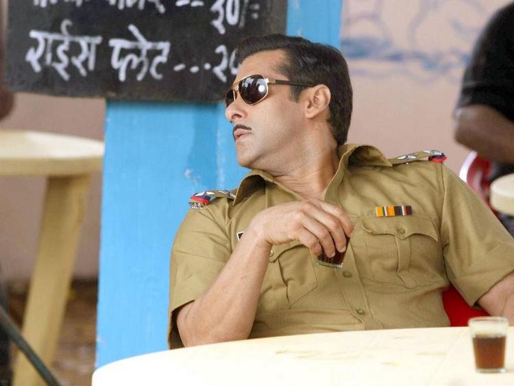 Salman Khan As A Cop In Laagi Tujhse Lagan