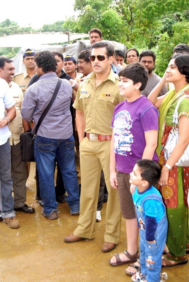 Salman Khan At The Sets Of Laagi Tujhse Lagan