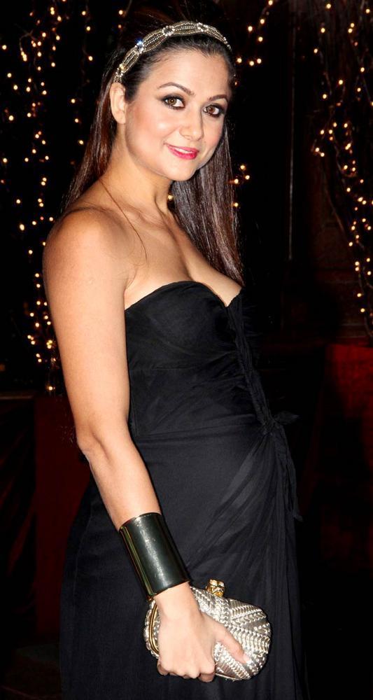 Pregnant Amrita Arora at 40th Birthday Bash of Karan Johar