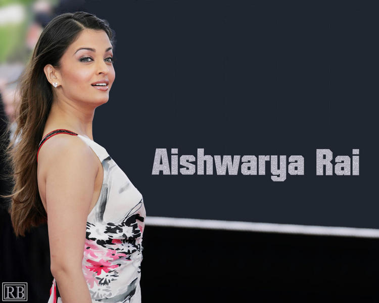 Aishwarya Rai Stunning Hot Face Look Wallpaper