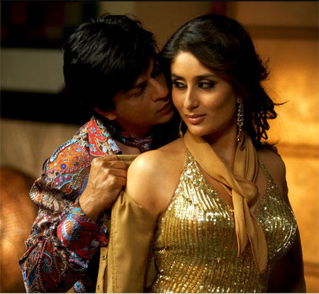 Kareena Kapoor and Srk Romance Pic In Don
