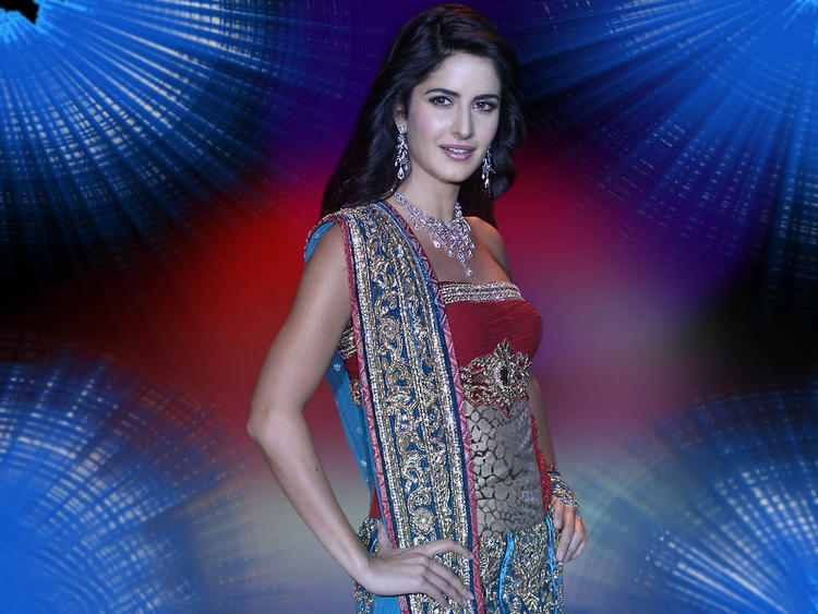 Charming Actress Katrina Kaif Wallpaper