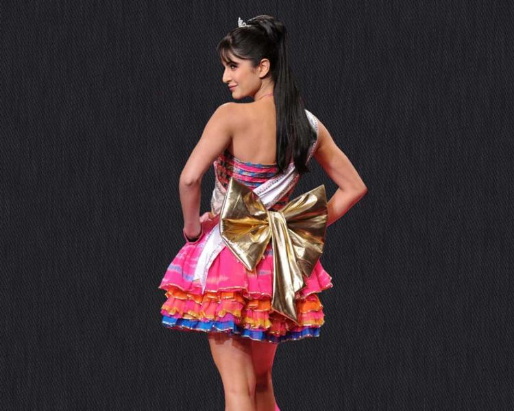 Katrina Kaif Cute Barbie Dress Wallpaper