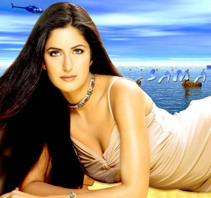 Katrina Kaif Spicy Look Wallpaper