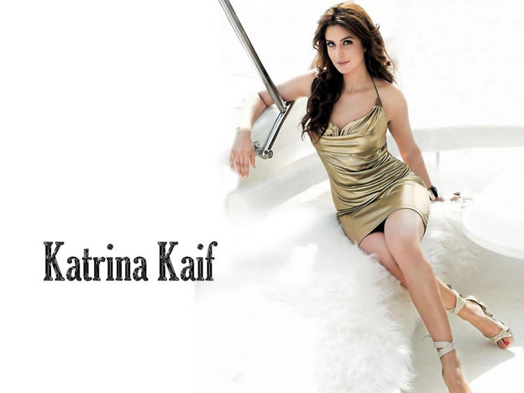 Spicy Bolly Babe Katrina Kaif Wallpaper