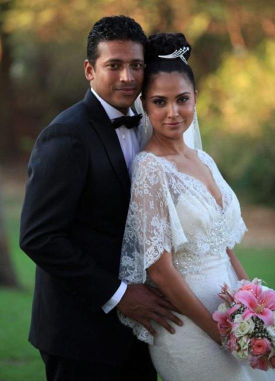 Lara Dutta and Mahesh Bhupathi Catholic Style Wedding Photo