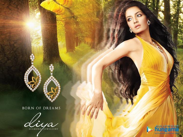Celina Jaitley Diya Diamond Jewellery Ad Pic