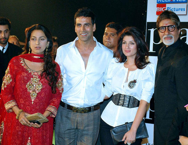 Akshay and Twinkle Poses With Juhi and Amitabh