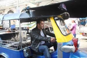 Salman Khan Driving Auto In Ready
