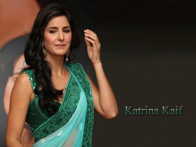 Beautiful Lady Katrina Kaif Close Up Pic