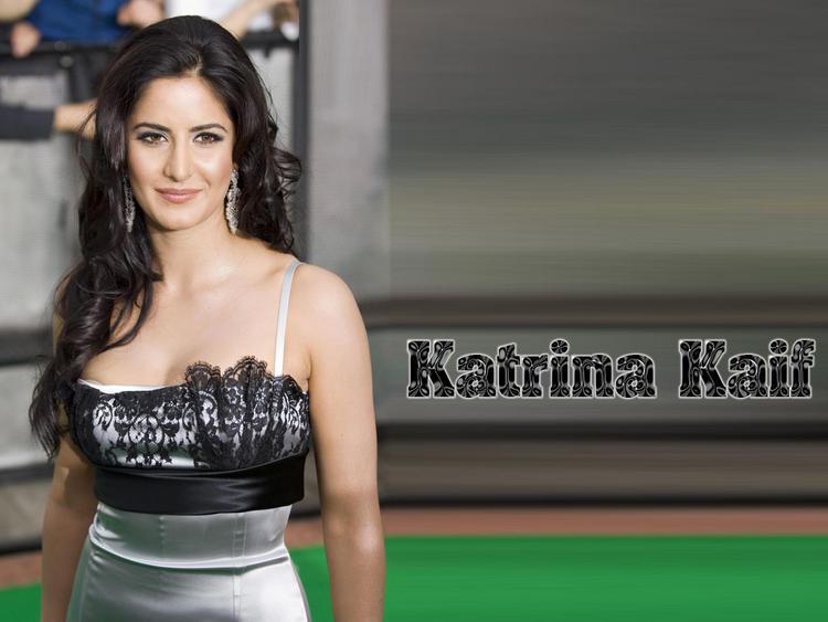 Katrina Kaif Fairy Attractive Sizzling Face Look Wallpaper