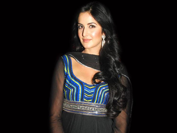 Katrina Kaif Shiny Face Look Sweet Still