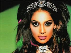 Bipasha Basu Hot Look Still