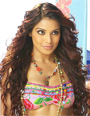 Bipasha Basu Latest Sexiest Still