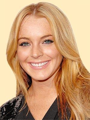 Lindsay Lohan Brown Hair Beautiful Smile Pic