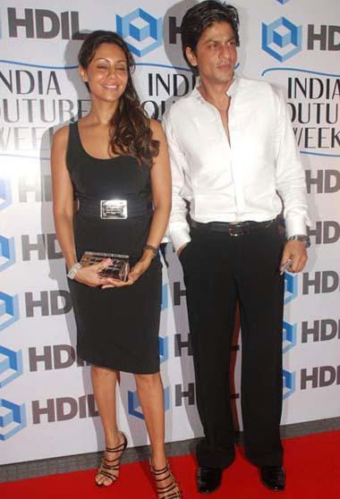 Gauri Khan and Srk On Red Carpet