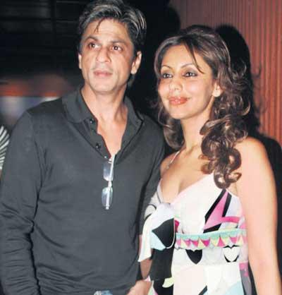 Gauri Khan and Srk Shiny face Look Still