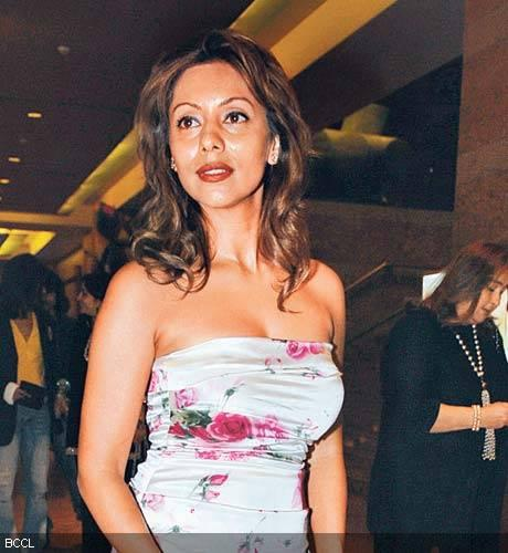 Gauri Khan Strapless Dress Dazzling Gorgeous Pic