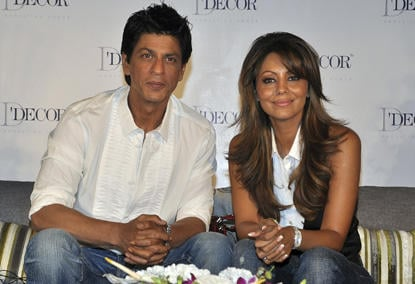 Shahrukh and Gauri At D Decor Brand Ambassdor Press Meet
