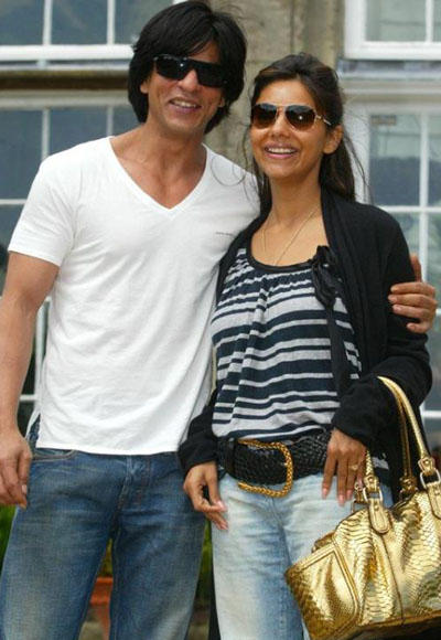 Srk With Gorgeous Wife Gauri Khan