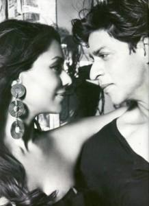 Star Couple Srk and Gauri Romance Still