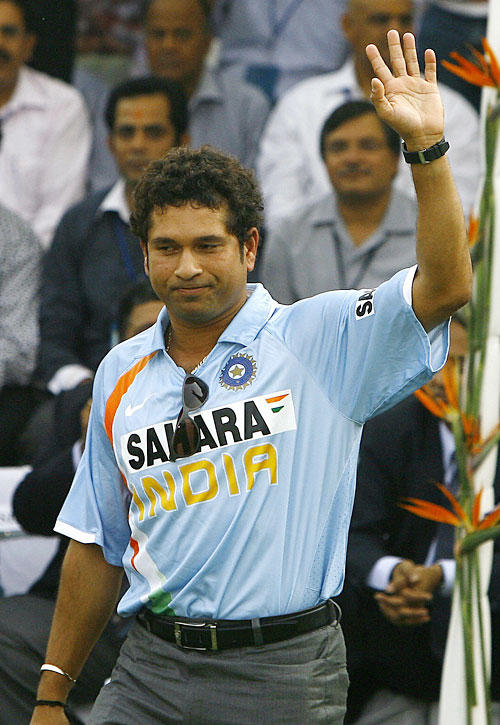 Sachin With His Fans
