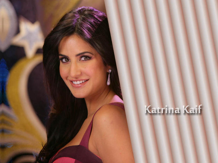 Katrina Kaif Cute Smiley Face Still