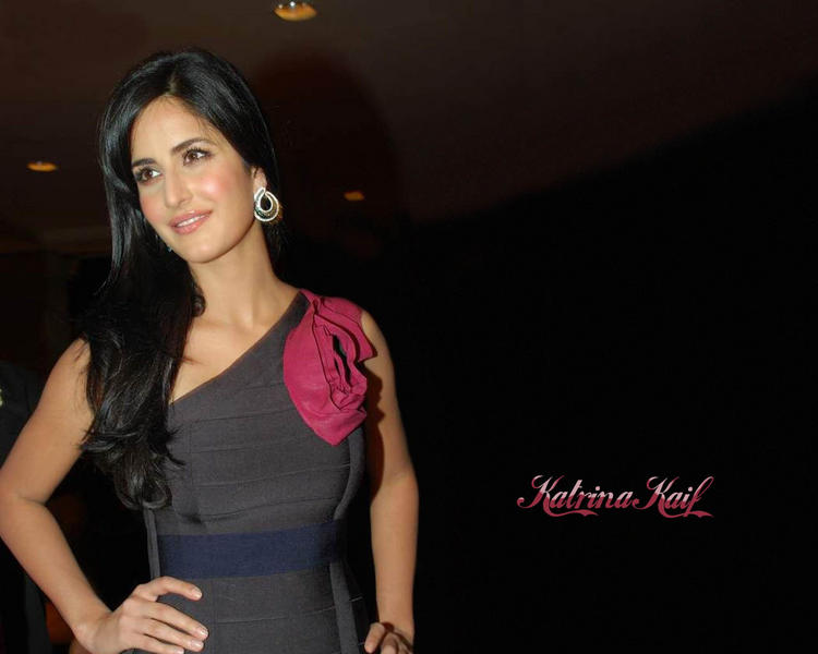 Katrina Kaif Simple Look Wallpaper