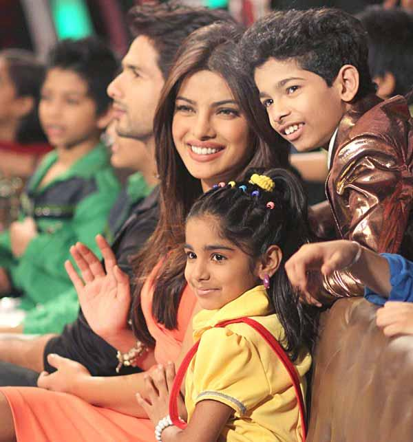 Shahid and Priyanka Promote Teri Meri Kahaani On DID Lil Champs