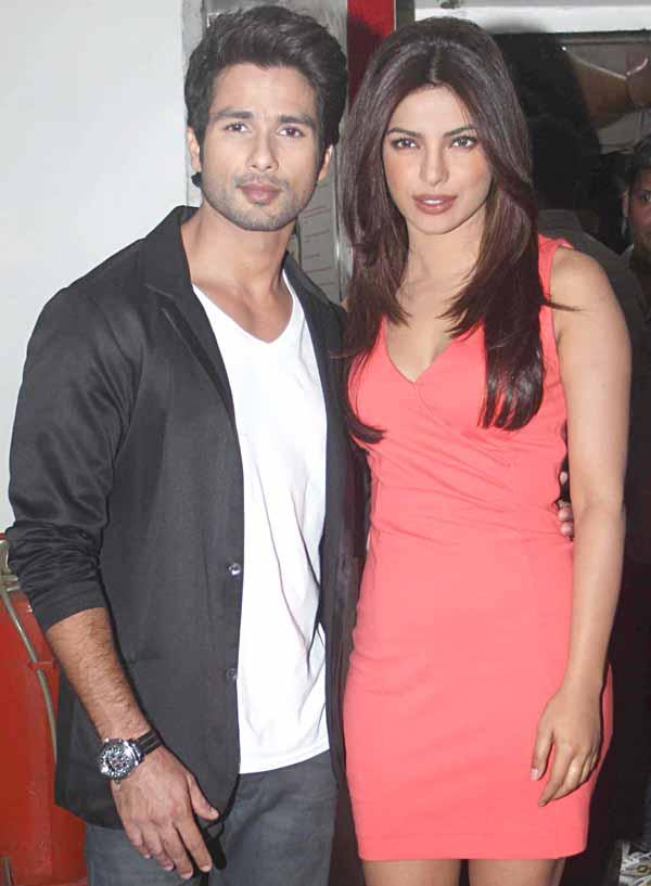 Shahid and Priyanka Spotted at DID Lil Champs Show On Zee TV