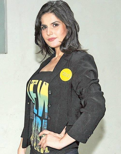Zareen Khan Support World No Tobacco Day