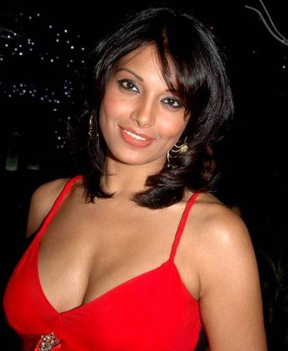 Bipasha Basu Deep Cleavages Pic In Red Dress
