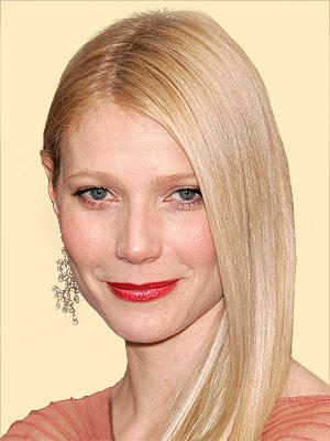 Gwyneth Paltrow Red Lips Sweet Smile Pic