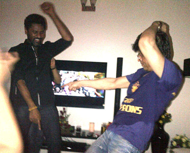 Prabhu Deva and Shahrukh Dancing Pic