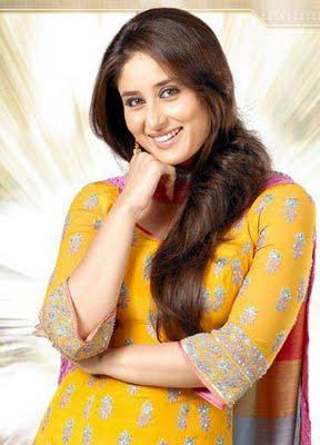 Kareena Kapoor Cute Smile Pic