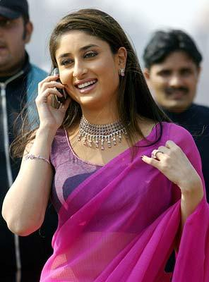 Kareena Kapoor With Phone In Bewafa